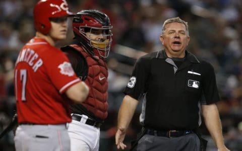 MLB umpire Greg Gibson quad tendon rupture